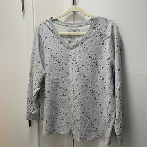 Gray star pattern long sleeve top
